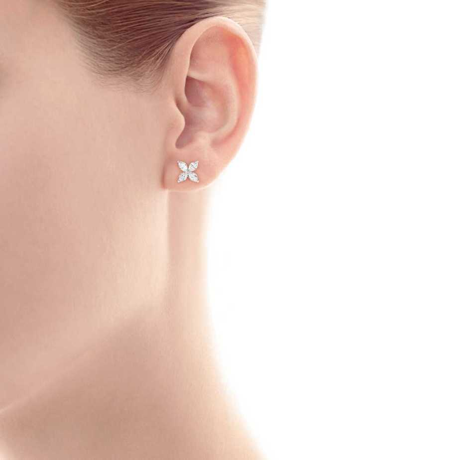 tiffany-victoriaearrings-11833187_906083_SV_1